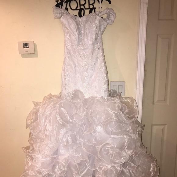 6qbk57qimogkzm,Lace Wedding Dress With Bow In Back